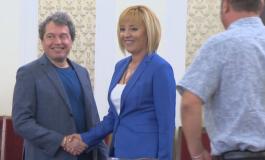 Мая Манолова настоява ДПС да няма влияние в кабинета. Президентът ли стои зад атаката на ИСНИ, ДБ, ИТН и БСП срещу ДПС?