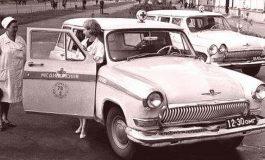 ЛИНЕЙКА ОТ 70-ТЕ И ТРАКТОР ОТ 1951 ГОДИНА ПРЕДСТАВЯТ НА РЕТРО ПАРАДА ЗА СТАРИННИ И КЛАСИЧЕСКИ АВТОМОБИЛИ В ДОБРИЧ