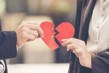 Кои фактори убиват връзката ви и как да се справите с тях?