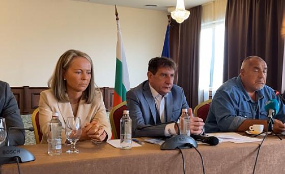 Бойко не спира: Аз махнах Елен Герджиков, Петков и Василев завиват наляво с десен мигач
