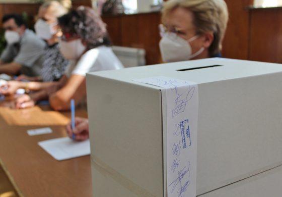 27 листи са регистрирани в РИК-Добрич, вижте всички кандидат-депутати в Добрич